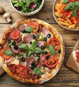 Pizza Kurier in der Stadt ZH photo